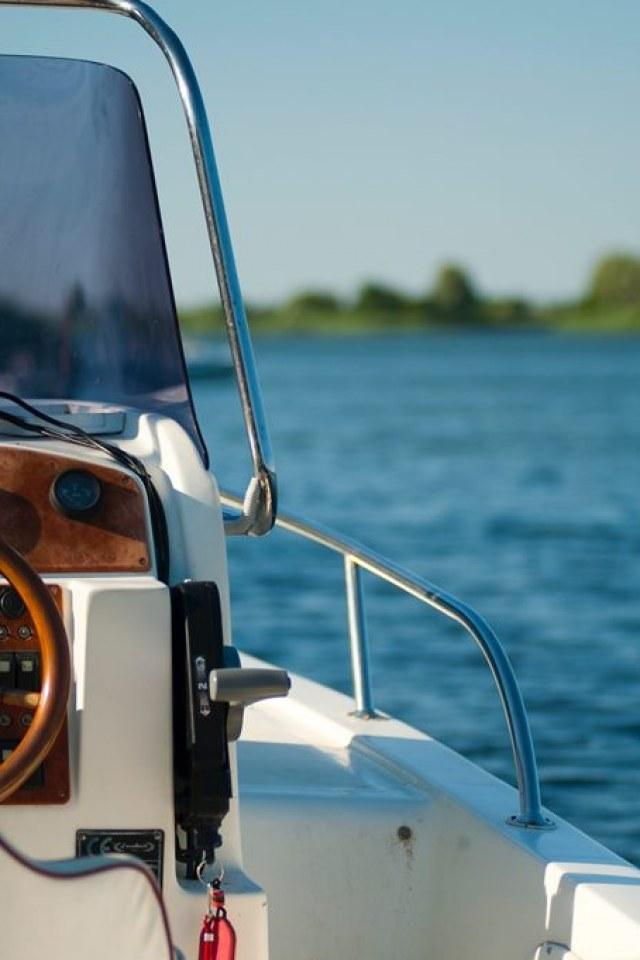 yacht management, yacht charters, captain & crew